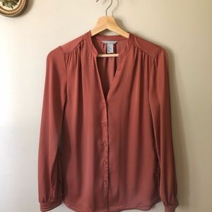 Tops - Dusty rose silky blouse !